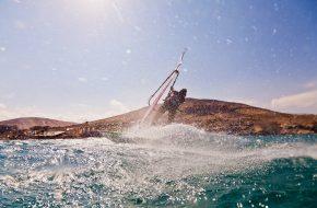 Windsurfing - sport wodny na wakacje